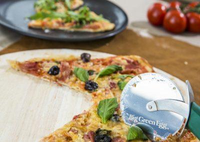 de pizza big-green-egg-pizza-special